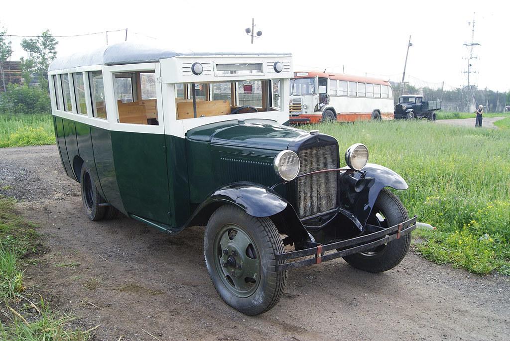 ГАЗ 03-30 использовали в основном предприятия для развозки сотрудников