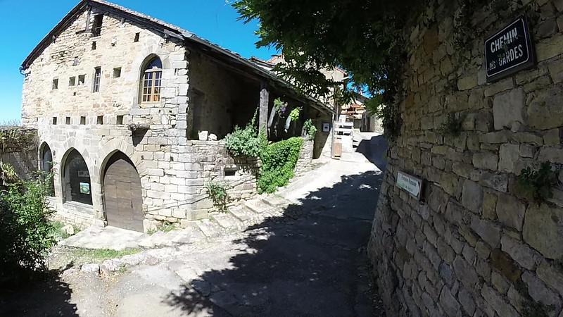 Capdenac - Traversée du village de Capdenac-le-Haut