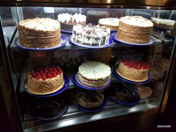 Reuben's Deli desserts