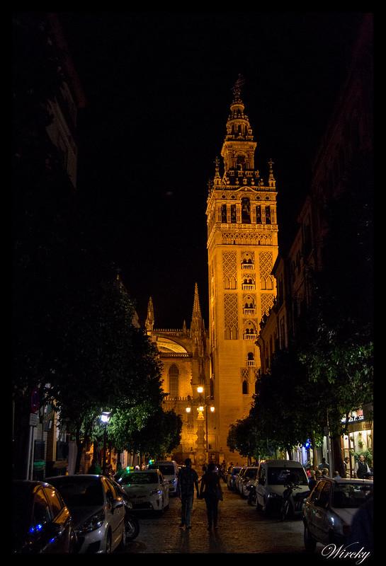 viajar Sevilla lugares imprescindibles - La Giralda