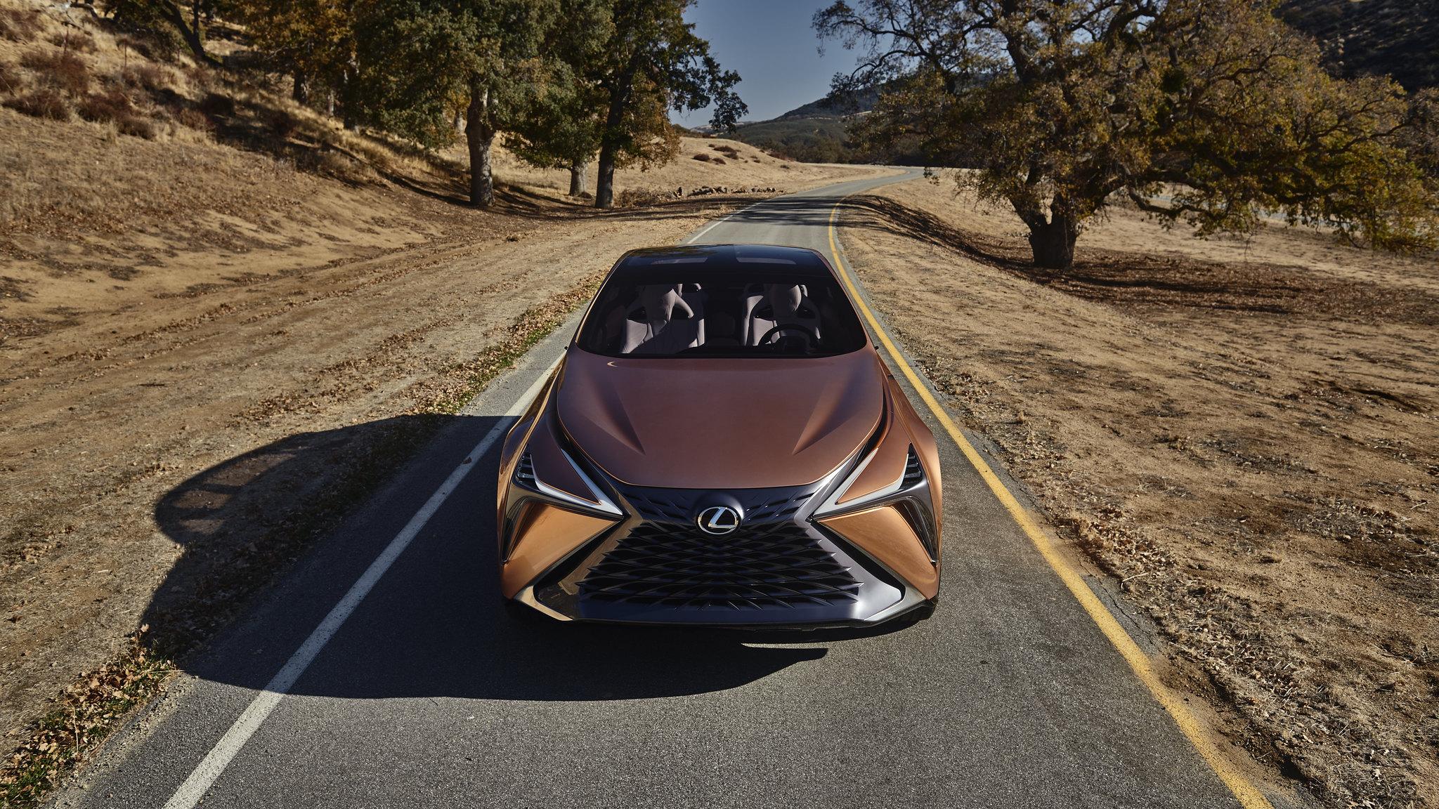 Lexus LF-1 Limitless debuts at NAIAS