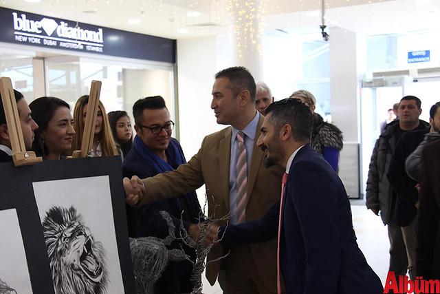Türkler Güzel Sanatlar Lisesi'nin öğretmenleri öncülüğünde öğrencilerin yeteneklerini göstermek amacıyla düzenlenen sergi Alanyum AVM'de açıldı. -3