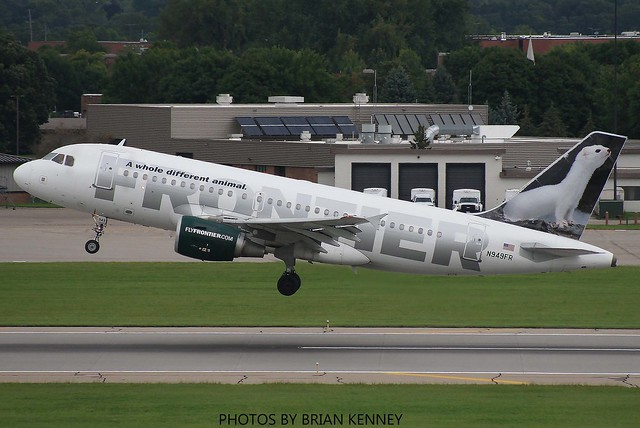 FRONTIER AIRLINES A319-111, Canon EOS 30D, Canon EF 75-300mm f/4-5.6 USM