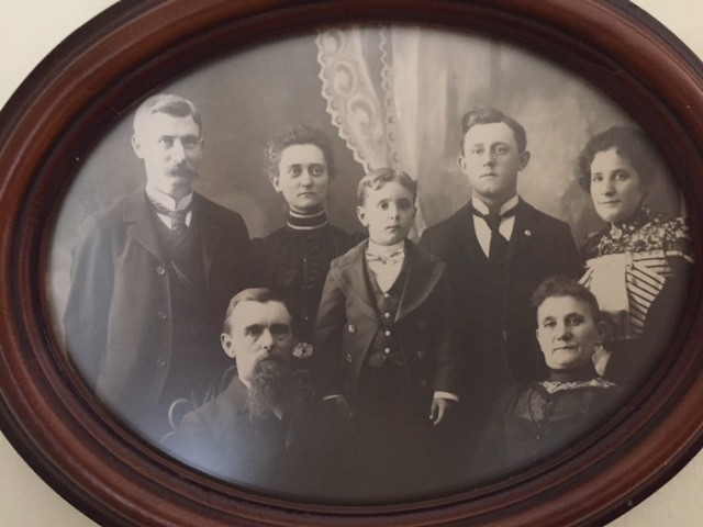 1898 or so - John Huff family photo