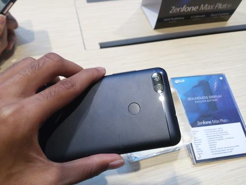 Asus Zenfone Max Plus M1. Liputan6.com/Tommy Kurnia