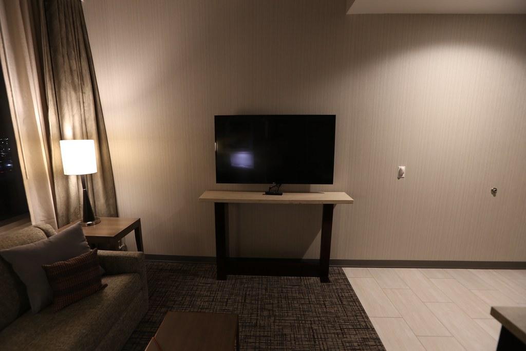 Hilton H Hotel LAX 25
