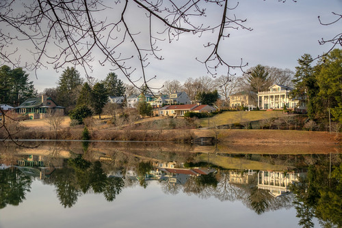 asheville north carolina beaver lake house houses south southern water reflection morning winter ashevillenorthcarolina ashevillenc beaverlake