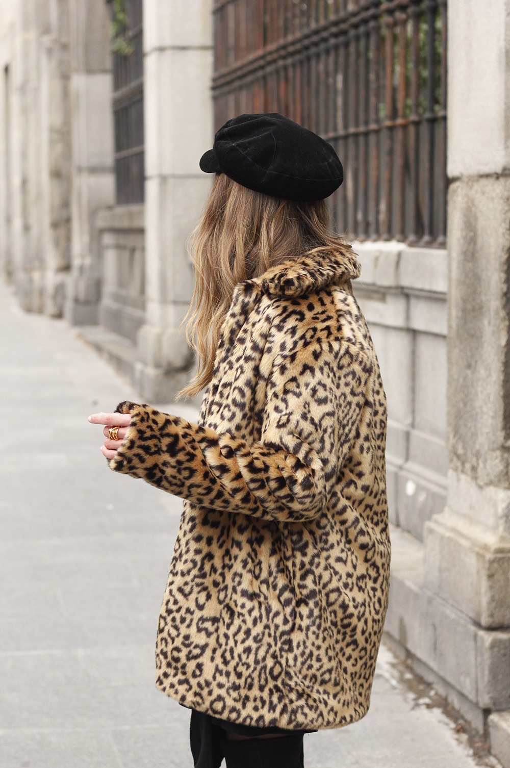 leopard coat black outfit over the knee boats givenchy black cap winter outfit11