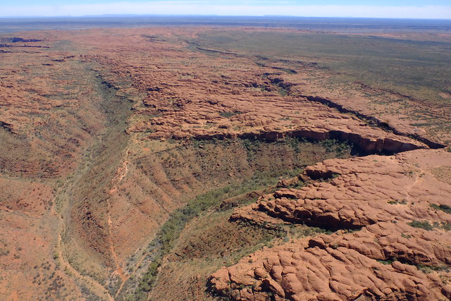 KINGS CANYON & DRIVING ON THE ROAD TO ALICE SPRINGS