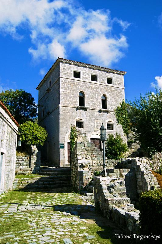Дворец в центральной части Старого Бара