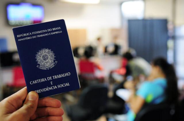 95% dos trabalhadores e trabalhadoras desempregados há mais de um ano pertencem às classes C, D e E - Créditos:  Pedro Ventura / Agência Brasília