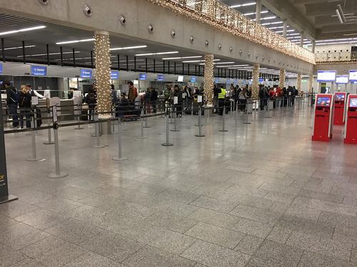 09 - CheckIn-Schalter - Condor - Flughafen Frankfurt