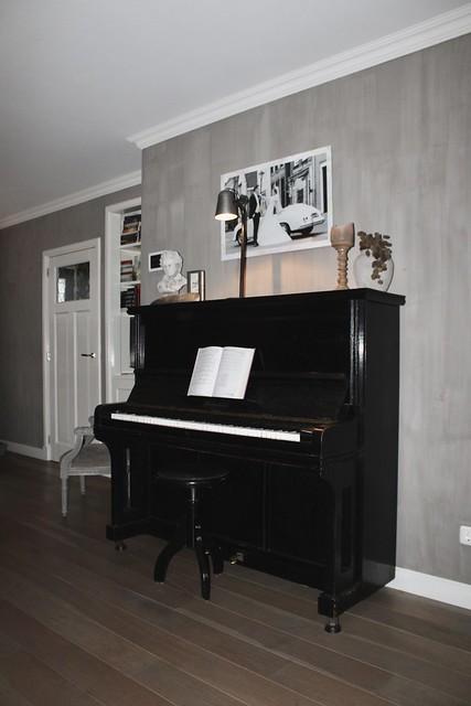 Zwarte piano woonkamer