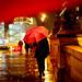 Parapluie rouge sur le Pont Neuf