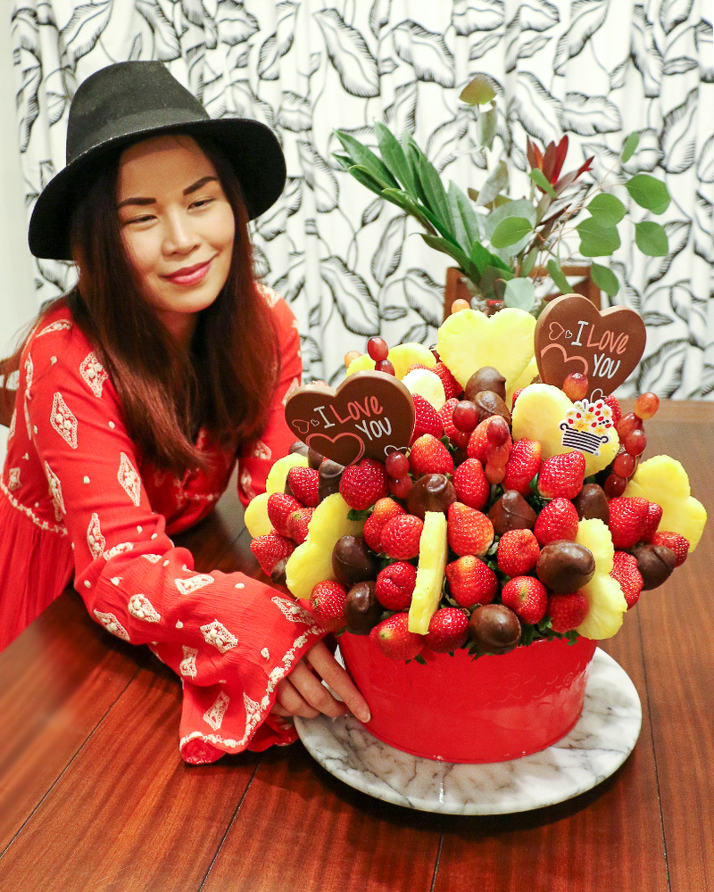 edible-arrangements-chocolate-fruits-valentines-day-red
