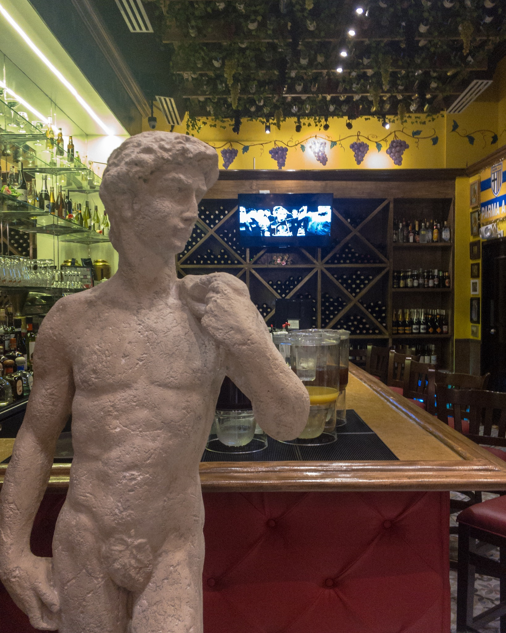 Buca di Beppo BGC - Bar at the ground floor