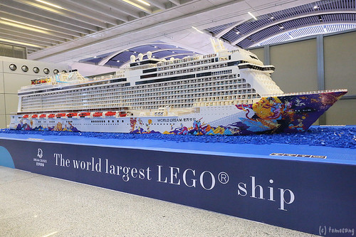 "Largest LEGO ship ""DREAM CRUISES"""