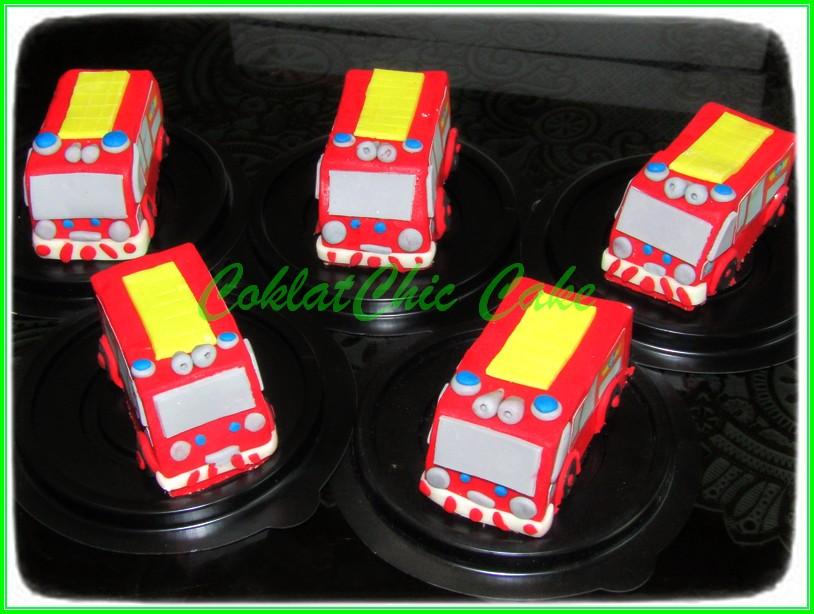 Minicake firetruck 7cm
