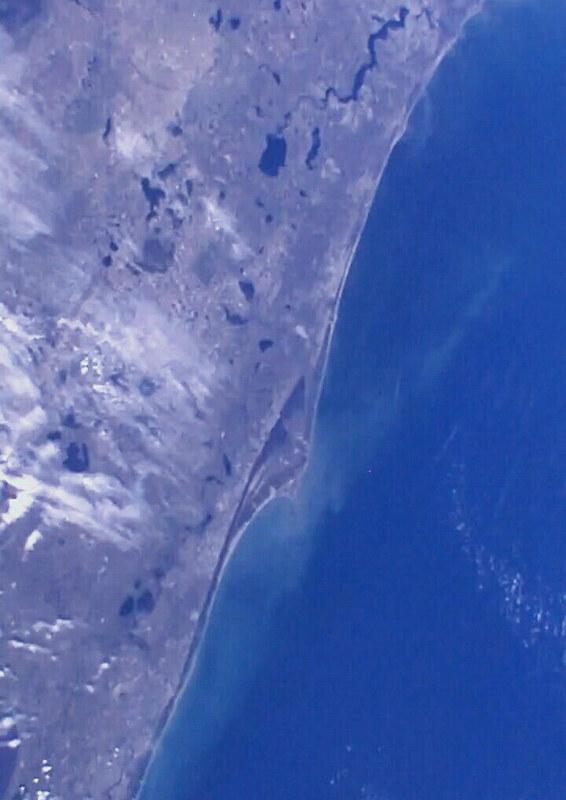 Observation de la Terre depuis l'espace - Page 10 39714520865_c99a543090_c