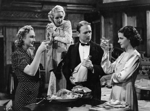 The Lady Vanishes - 1938 - screenshot 1