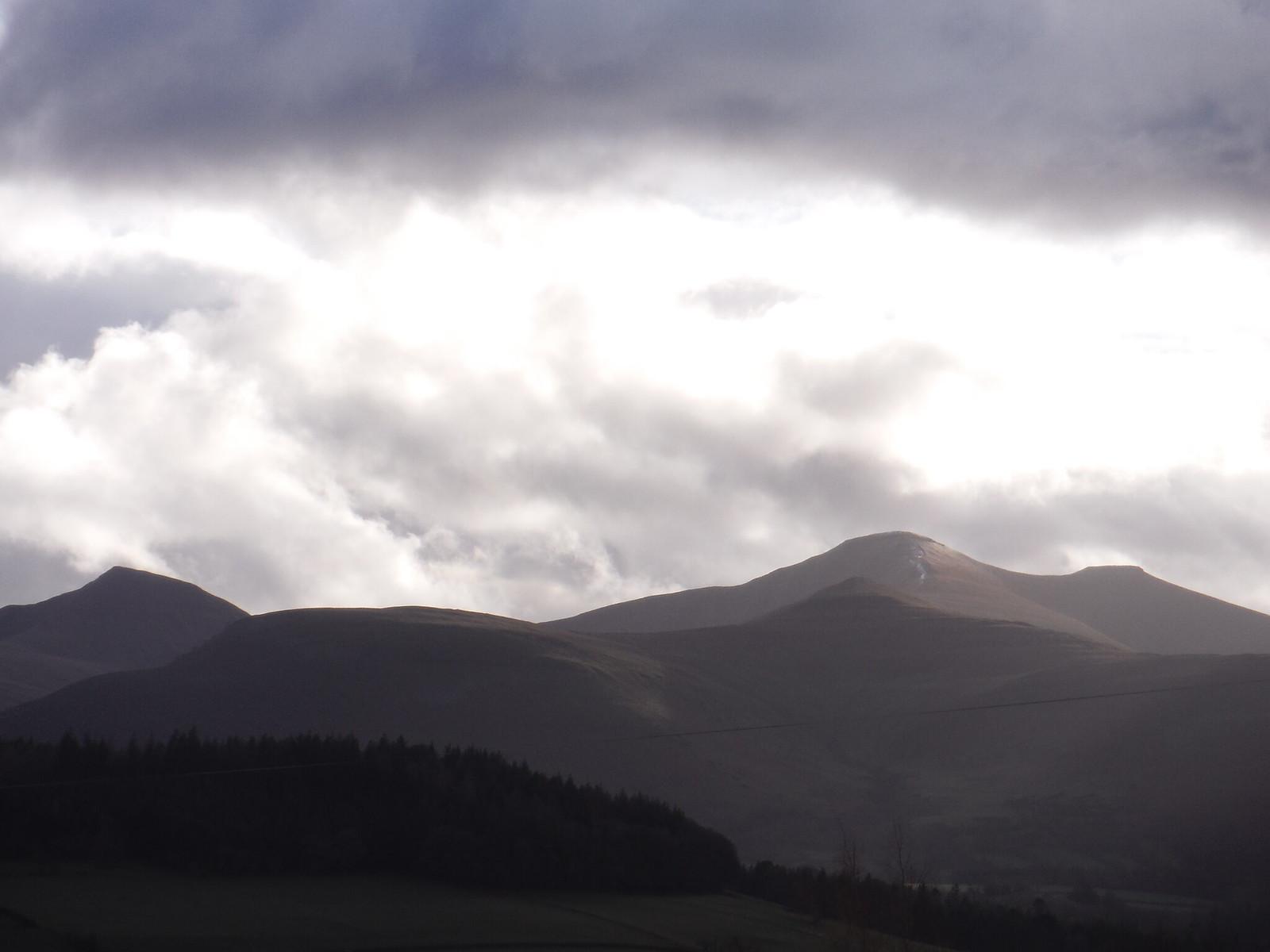 Cribyn to Pen y Fan, from just above Brecon SWC Walk 306 - Brecon Circular (via Y Gaer, Battle and Pen-y-crug)