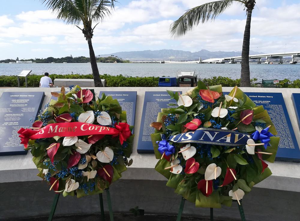 marines-navy-wreaths