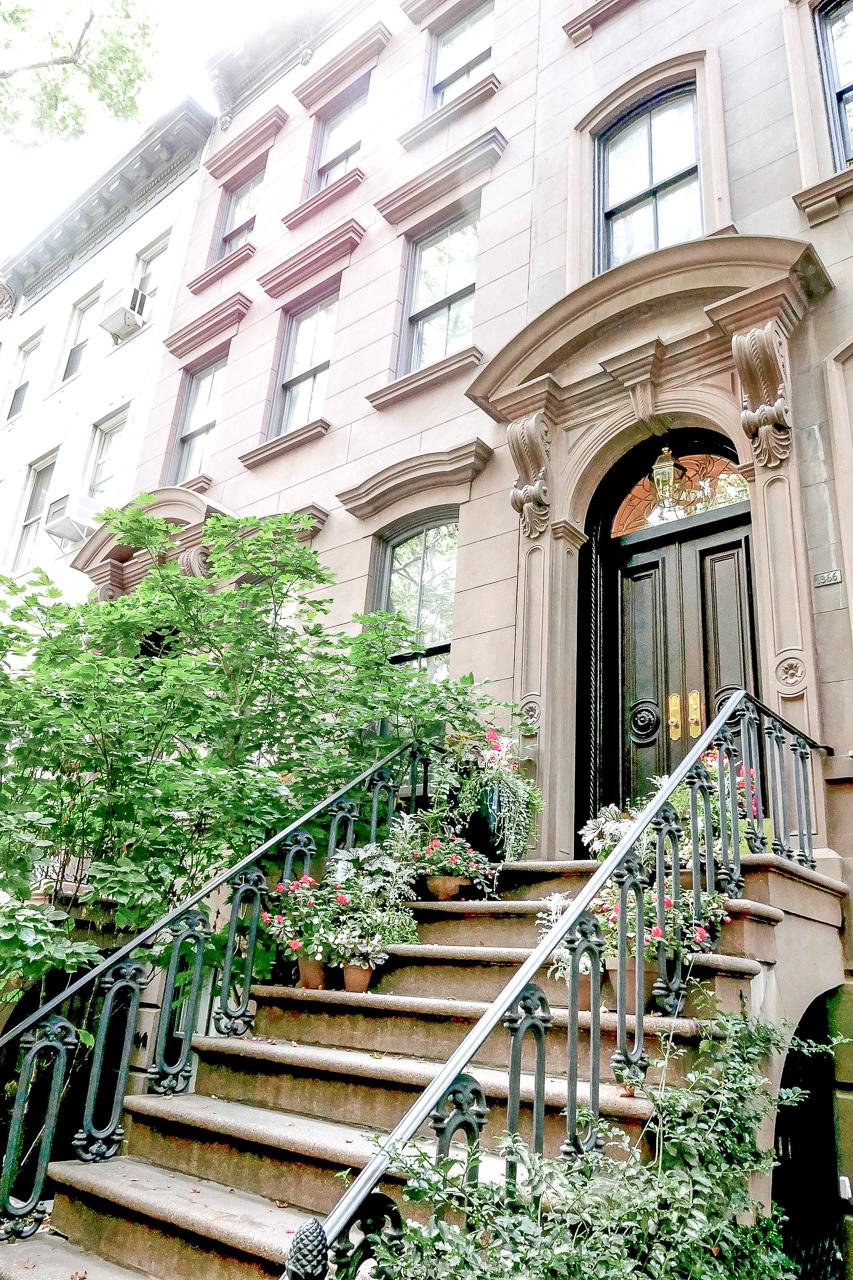 Sinkkuelämää, Carrie Bradshaw portaat