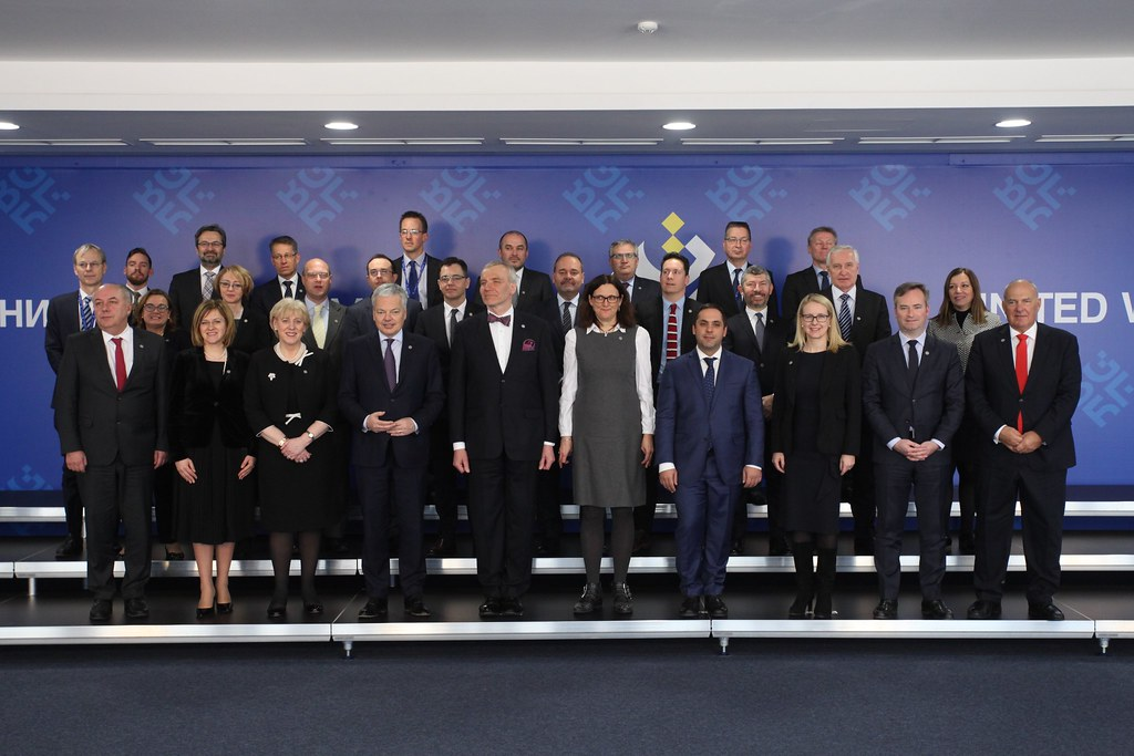 Informal Meeting of Trade Ministers: Family photo and Press conference