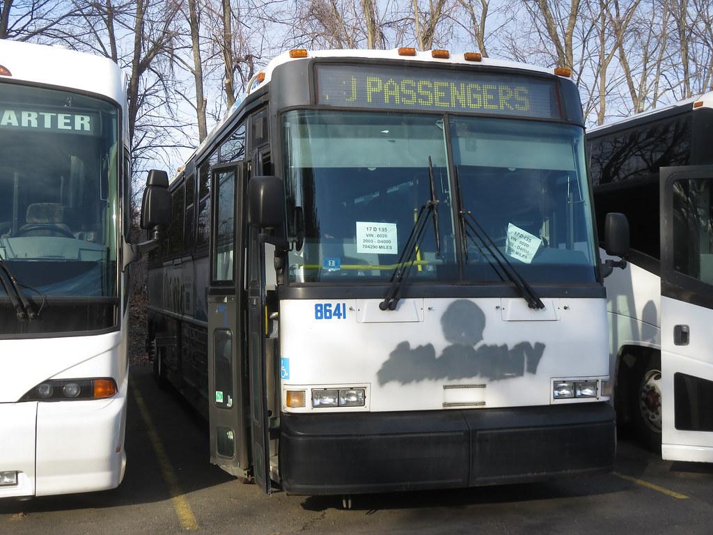 Ex-NJ Transit 2003 MCI D4500 #8641 | Xavier Trofisher | Flickr