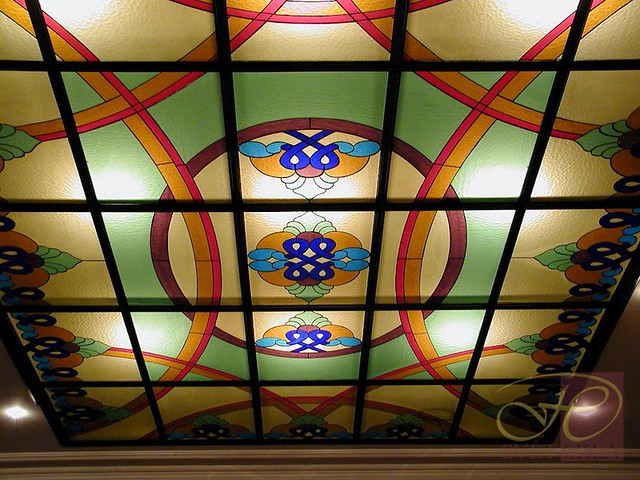 vitrážové stropní svítidlo
