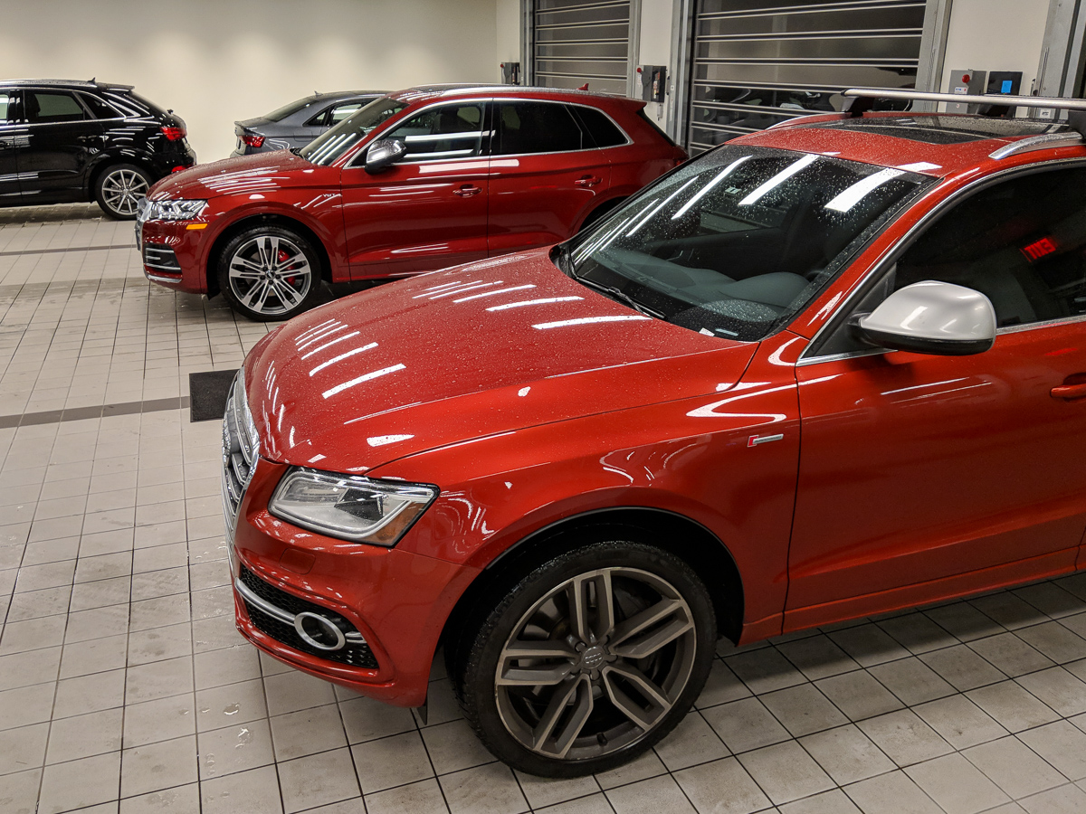 B8 Volcano Red Vs B9 Matador Red Sq5