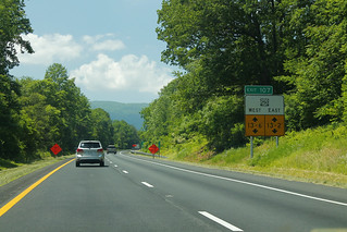 Int64wRoad-MM108-Exit107-US250ewHeightsSign