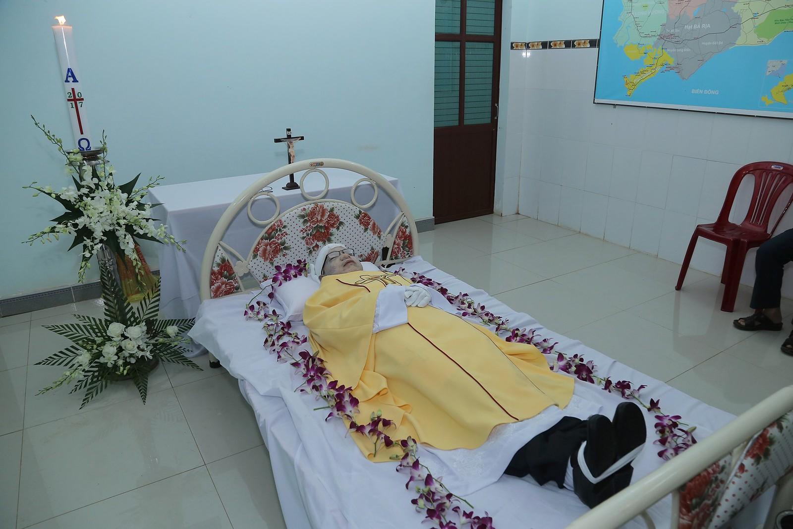 Cầu nguyện cho linh hồn Cha Giuse Đặng Đình An, Cha qua đời vì tai nạn giao thông - Ảnh minh hoạ 5