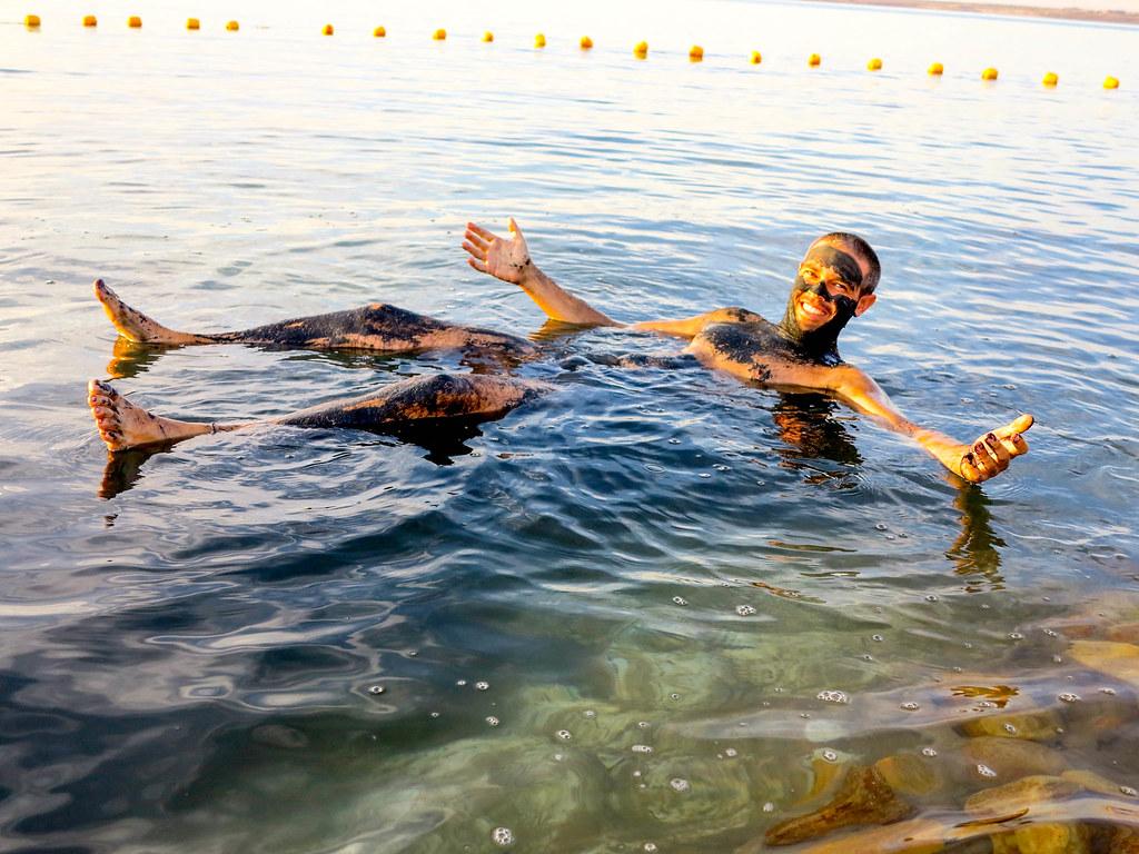 Banarse en el Mar muerto