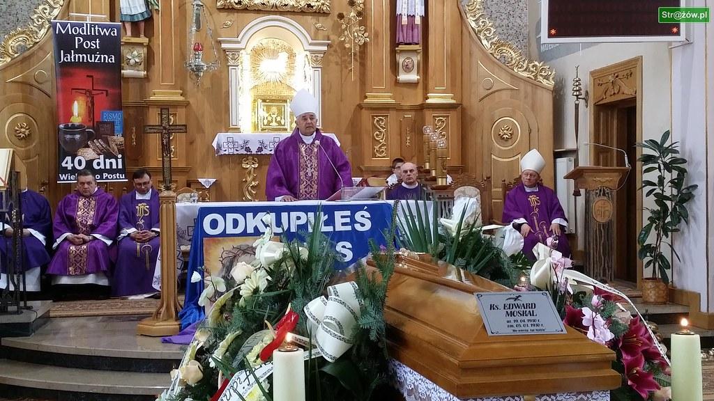 Strażów. Uroczystości pogrzebowe ŚP Ks. Kanonika Edwarda Moskala
