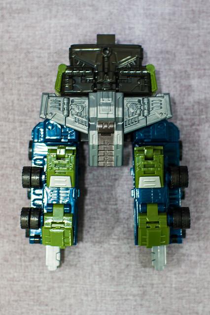Bruticus Transforms 1
