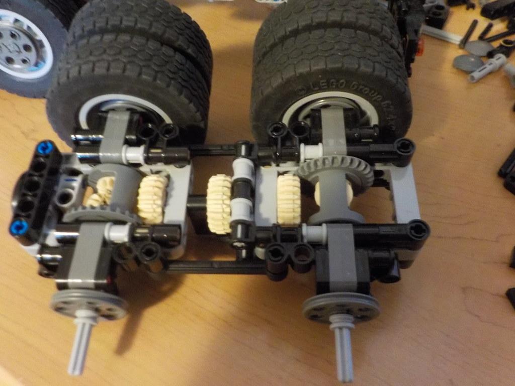 WIP] Mack Granite GU-813 - Review added - LEGO Technic and