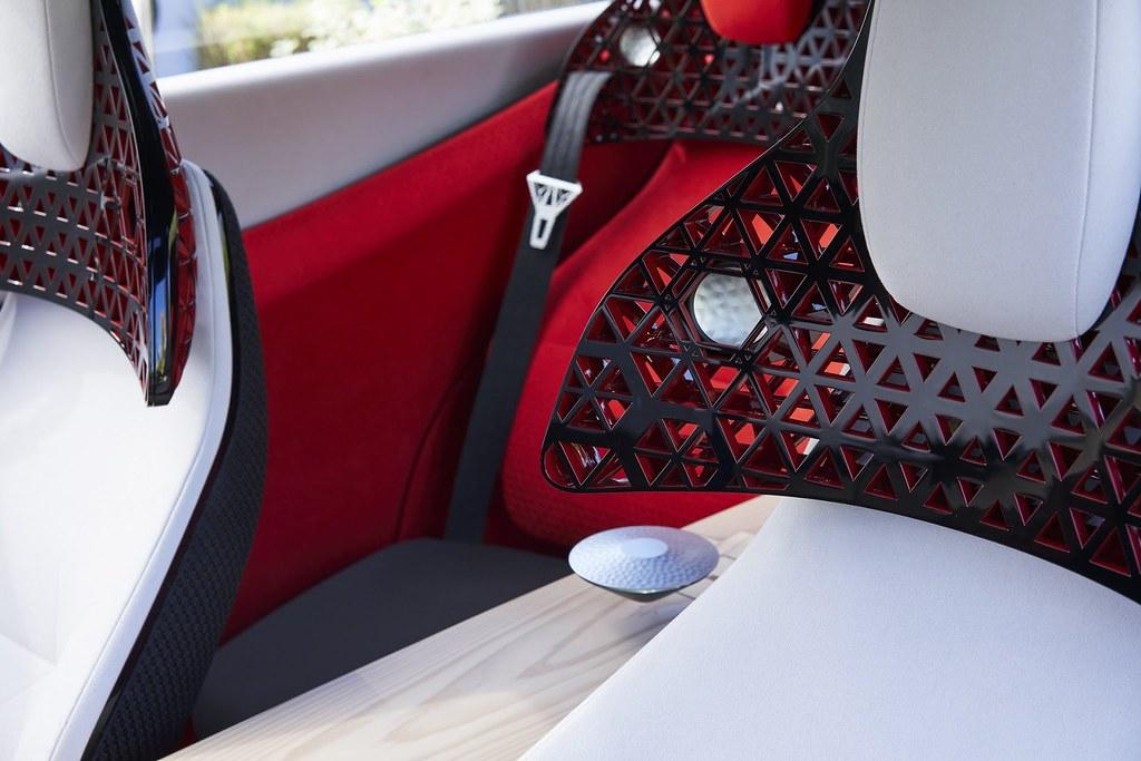 Nissan-Xmotion-Concept-403