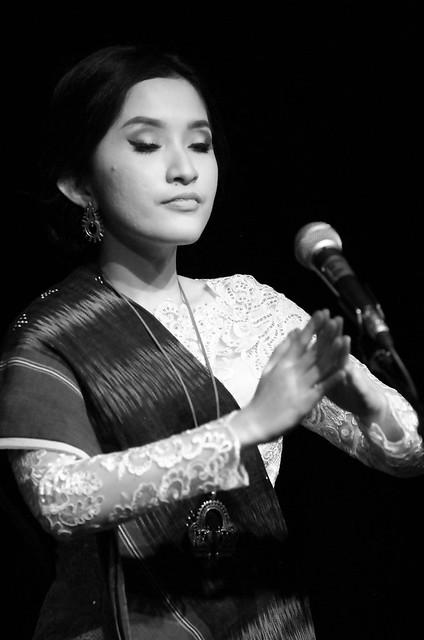 MATANIARI - MÚSICA Y DANZA INDONESIA EN EL TEATRO EL ALBÉITAR DE LA UNIVERSIDAD DE LEÓN - 20.12.17