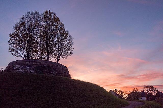 Bastion Leibfried. Einer meiner Lieblingsorte in Stuttgart bei Sonnenaufgang und -untergang. . #stuttgart #stuttgartnord #stuttgart-nord #bastionleibfried #stuggi #stuggiliebe #stgt #0711 #0711stuttgart #nullsiebenelf #germany #deutschland . #nicesky #sun