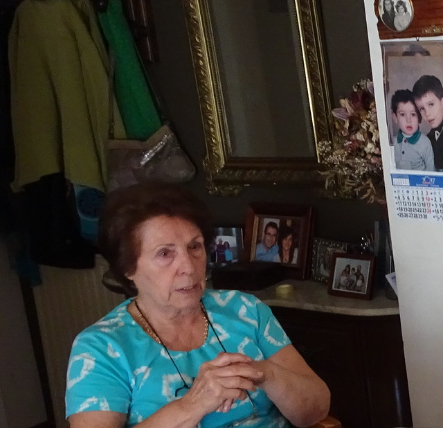Mamá con retratos
