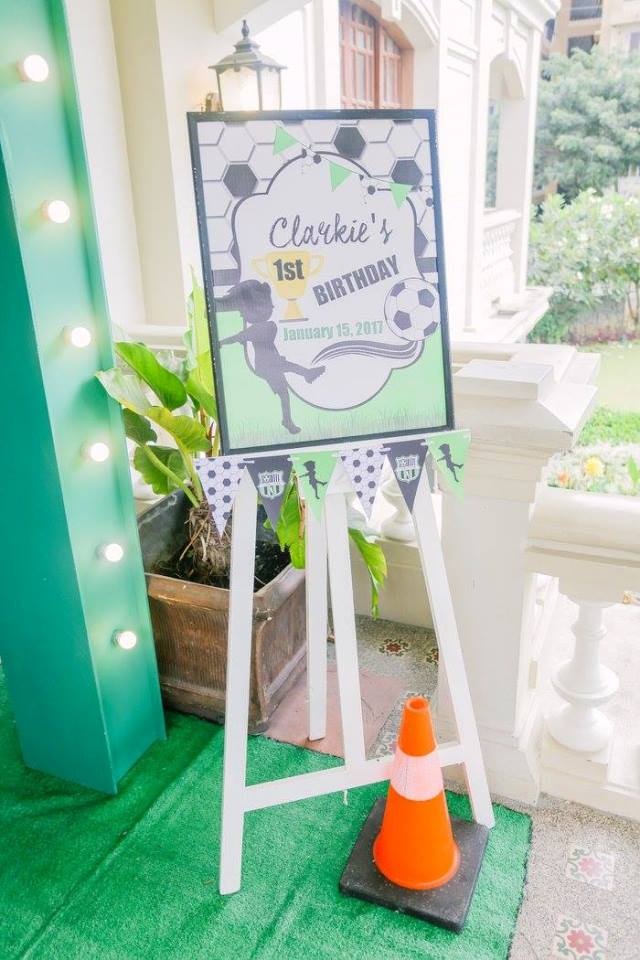clarkie soccer party entrance (3)