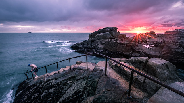 Sunrise in 40 foot - Dublin, Ireland - Seascape photography