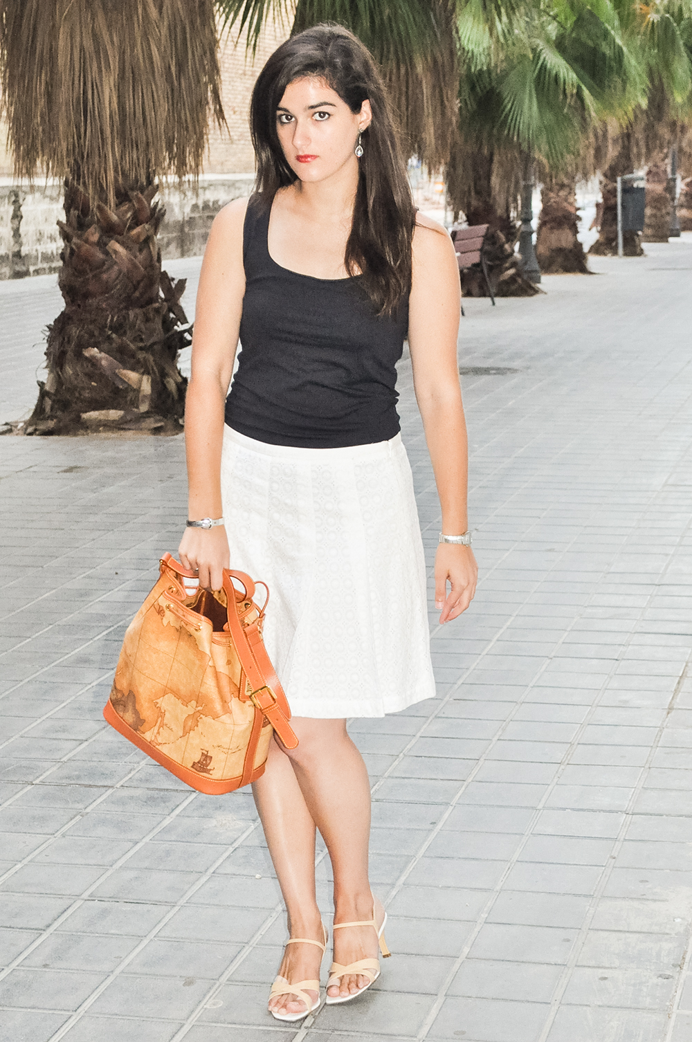 somethingfashionblogger_valencia_spain_firenze_alvieromartini bag map_ootd 3