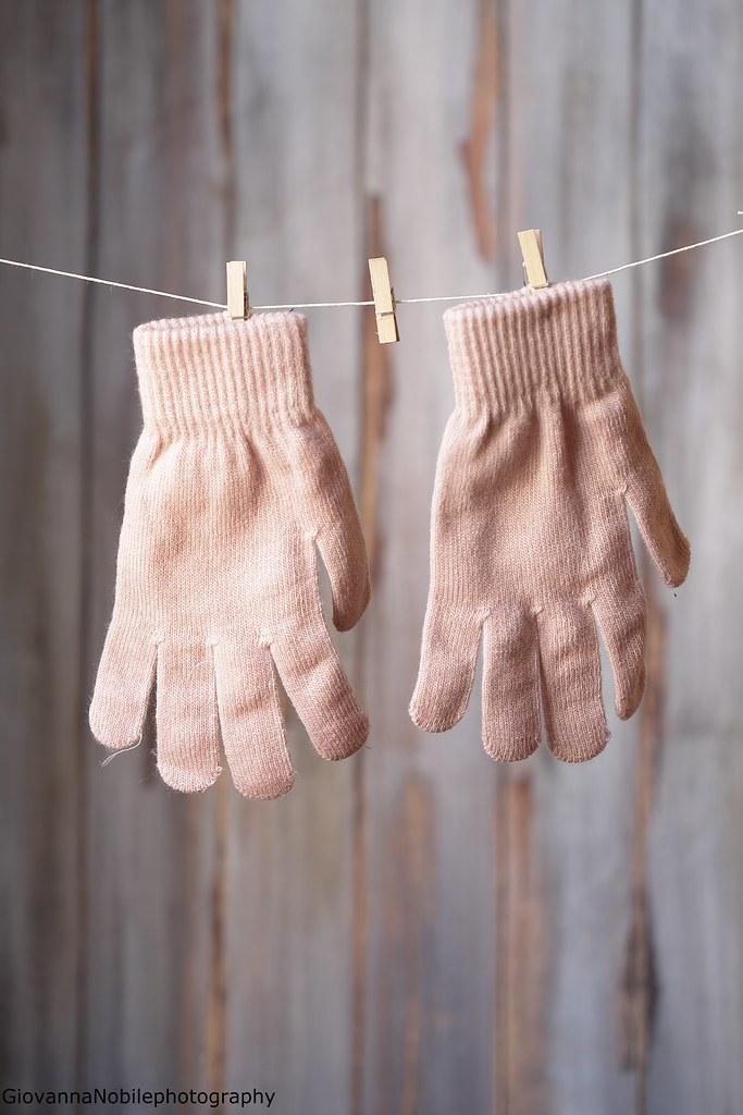Days of February - Gloves