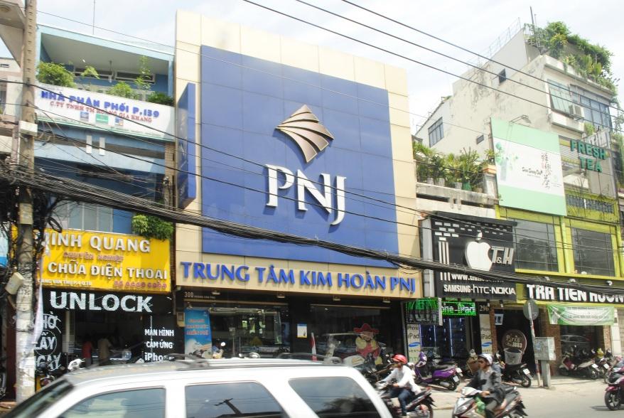 PNJ 300 Hoàng Văn Thụ