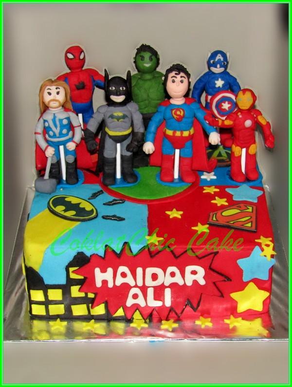 Cake Superhero HAIDAR ALI 20 cm