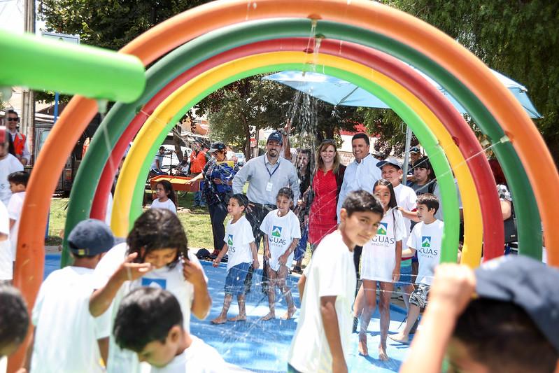 Re-inauguración de la plaza de agua de Aguas Andinas en la Población Santa Clara