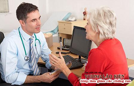 Dùng thuốc theo hướng dẫn của bác sỹ là cách quản lý tốt bệnh rung thất