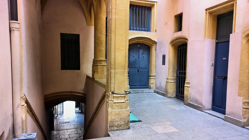 Lyon, Traboule